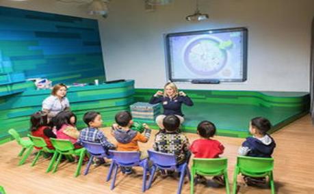 还在考虑如何让孩子在游戏体验中学习英语么?