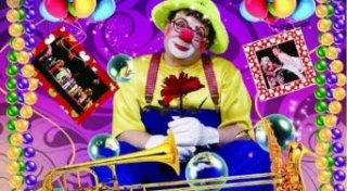 英孚在《小丑嘉年华•暑期喜乐会》